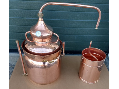 Copper Bain Marie Distiller 25 litres  Thermometer included