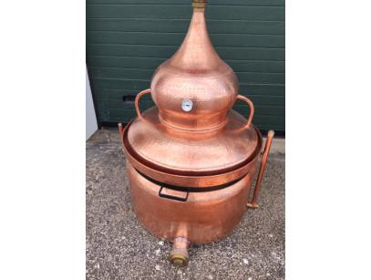 Alambic en cuivre a bain marie de 200 litres avec drain de fond.