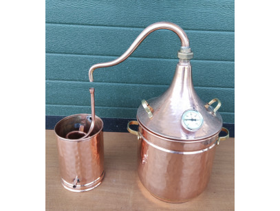 Copper Plants Pot Still or Distiller of 10 liters with thermometer