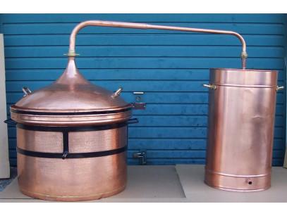 Alambic en cuivre a fermeture d'eau de 300 litres Thermometre inclus.