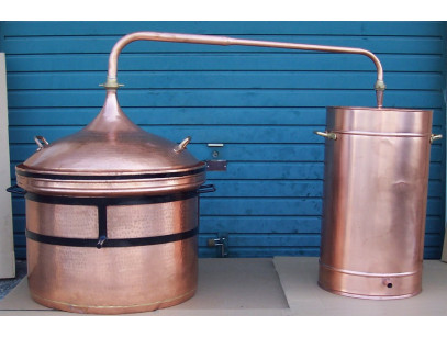 Copper Hydraulic Closing Type Pot Still of 350 litres with Thermometer included.