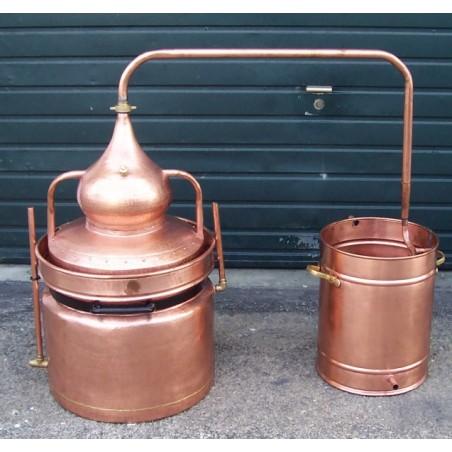 Alambic en cuivre a bain marie de 15 litres